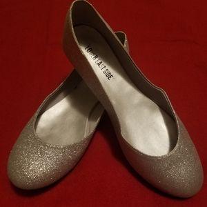 Lower East Side Silver Flats Size 7 1/2